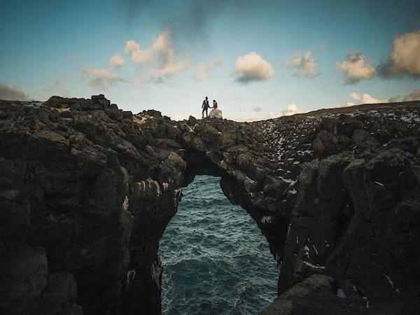 ảnh cưới ở vòm đá Iceland