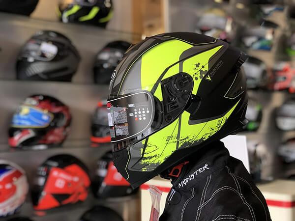 shop bán mũ bảo hiểm