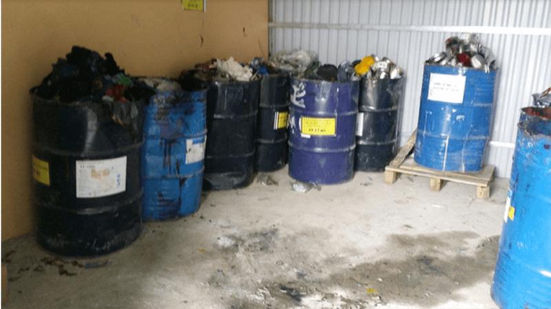 Hạn chế thùng chứa chất thải trong kho bãi