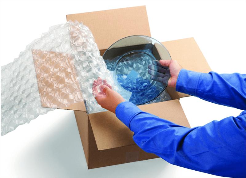 Đóng gói hàng hóa dễ vỡ lên trên cùng nhằm tránh bị chịu lực đè nén